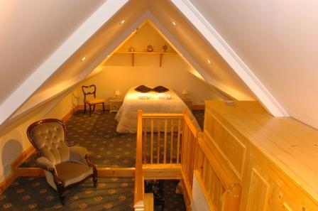 Brecon Beacons Hotels - AB31 Loft Bedroom, Craig y Nos Castle