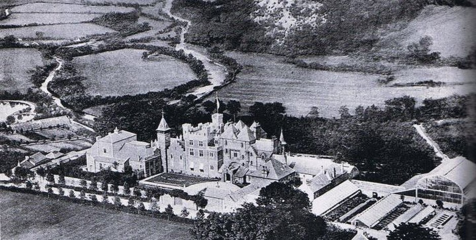 Craig y Nos Castle photographed some time between 1891-1905